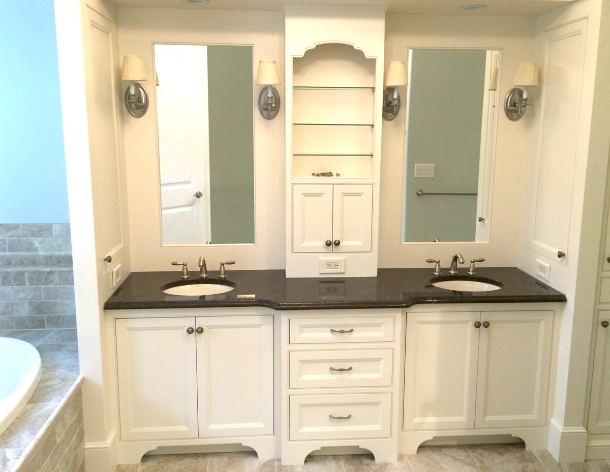 Prepossessing 30 remodeled bathrooms with double sinks for Bathroom cabinet designs photos